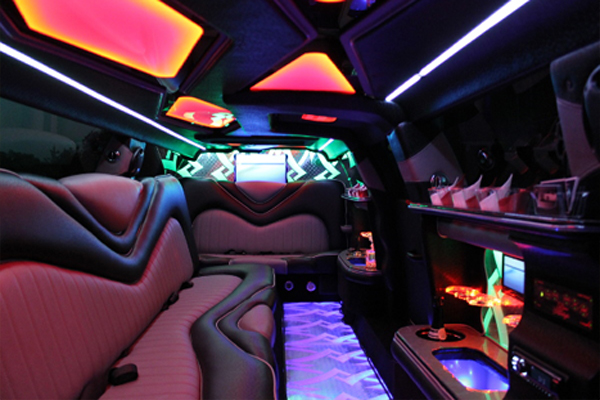 8 Person Chrysler 300 Limo Rental Florida